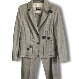 GIL BRET 100% COTTON TWEED SUIT WITH EMBELLISHMENT